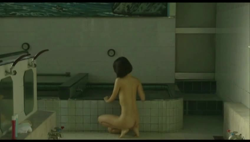 【お宝】人気女優市川由衣が銭湯での入浴シーンで乳首丸出しフルヌード!